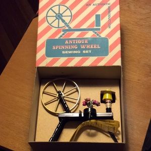 Vintage antique spinning wheel sewing set, NIB